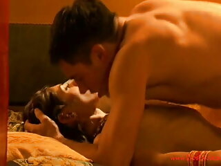 कर्टनी, सेक्सी फिल्म फुल मूवी वीडियो में आबनूस सौंदर्य