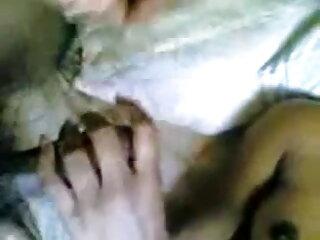 सफेद फूहड़ काले डिक पर जबड़ा चूसने पकड़ा हिंदी में फुल सेक्सी
