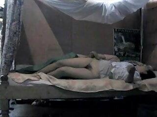 फिशनेट्स और लेटेक्स बूट्स में सेक्सी श्यामला उसे गधा बिल्कुल बढ़ा दिया सेक्सी पिक्चर फुल एचडी में जाता है