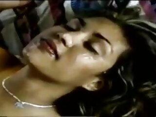 बड़ा titted मिल्फ एक हिंदी में सेक्सी वीडियो फुल मूवी युवा लड़के को बकवास करने के लिए उत्सुक