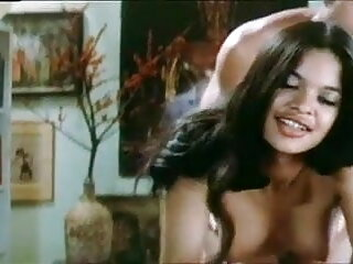 दो दादी फुल सेक्सी हिंदी में Sendy और क्लाउडिया गर्म सेक्स का आनंद ले रहे